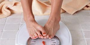 6 Signs You're At Risk Of Developing An Eating Disorder [EXPERT]