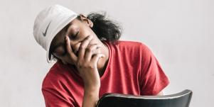 What Is Burnout & The Symptoms That Are Your Body's Cry For Help