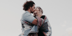 Which Male Zodiac Signs Prefer Older Vs. Younger Women, According To Astrology