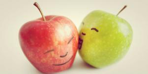 apples kissing