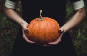12 Simple Last Minute Halloween Costume Ideas, By Zodiac Sign