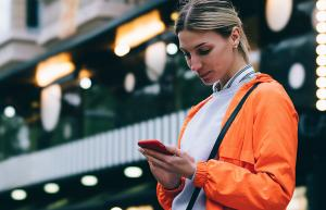 Don't Text A Guy In 6 Hours And He's Less Likely To Respond